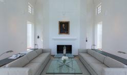 Interior 01-E